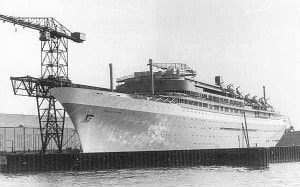 rotterdam-1958-at-the-fitting-out-quay