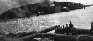 zuiderdam-on-fire-and-capsized-in-1941
