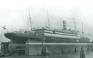 NA 1906 stern view in dry dock web