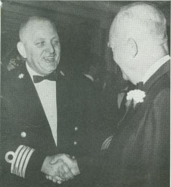 Capt. Snelleman meets Eisenhouwer Cancer Society New York on board NA 1961 web