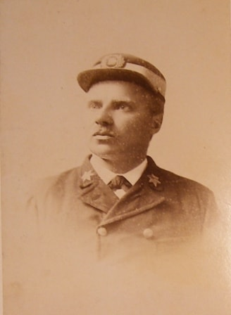 This Photo so from 1880 from the beginning of his career as Captain (a)